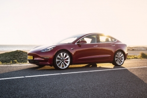 Is de Tesla Model 3 veiliger dan de Volvo S60?