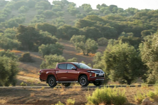 TEST: Mitsubishi L200 2.3 Di-D (2019): Rock Solid (+video)